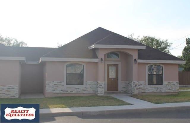 1698 RIO GRANDE (UNIT A) - 1698 East Rio Grande Street, Eagle Pass, TX 78852