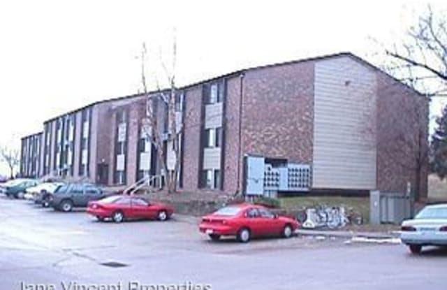 906-24 Benton Dr. - 906 Benton Dr, Iowa City, IA 52246