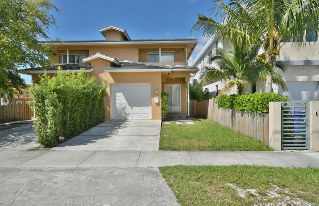 2780 SW 33 AVE - 2780 SW 33rd Ave, Miami, FL 33133