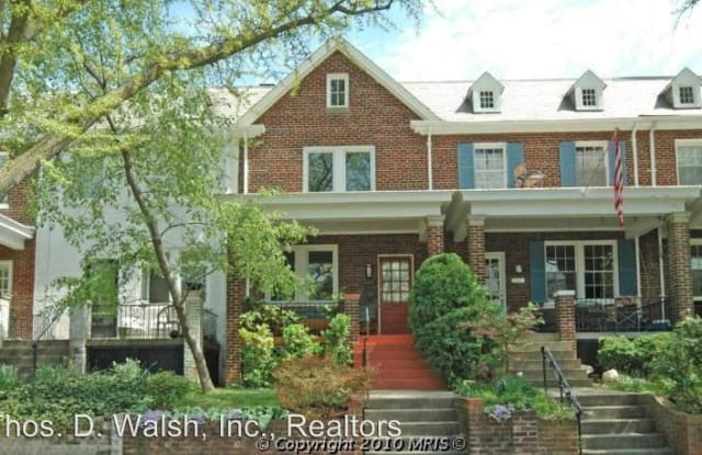 2425 39th Pl NW - 2425 39th Place Northwest, Washington, DC 20007