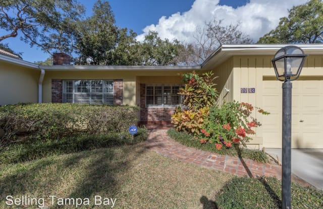 4403 W Beach Park Dr - 4403 West Beach Park Drive, Tampa, FL 33609