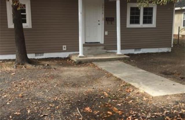 2404 S. Beech St - 2404 S Beech St, Pine Bluff, AR 71601