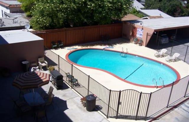Park Holiday Apartments - 1980 Park Avenue #13, San Jose, CA 95126