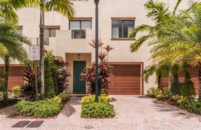 3233 SW 16th Ter - 3233 Southwest 16th Terrace, Fort Lauderdale, FL 33315
