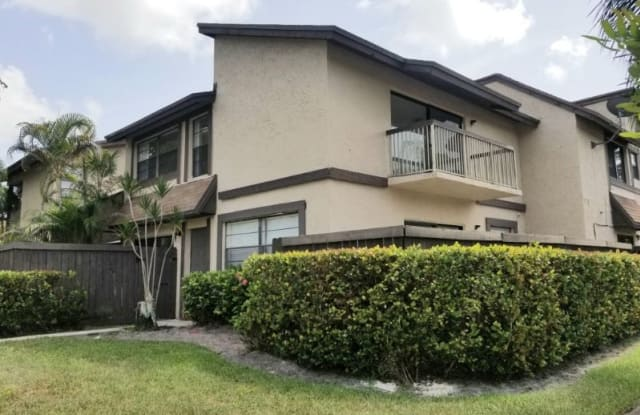 2171 Bayberry Dr - 2171 Bayberry Drive, Pembroke Pines, FL 33024
