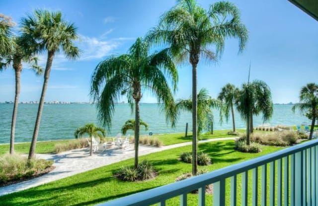 Seaside Villas - 3205 58th St South, Gulfport, FL 33707