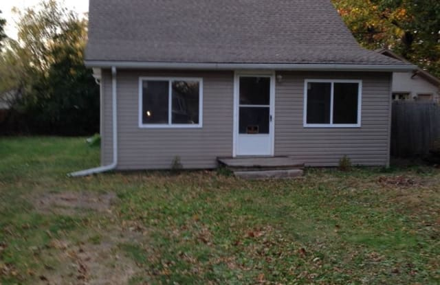 740 Cedarlawn Rd - Lake access - 740 Cedarlawn Road, Waterford, MI 48328