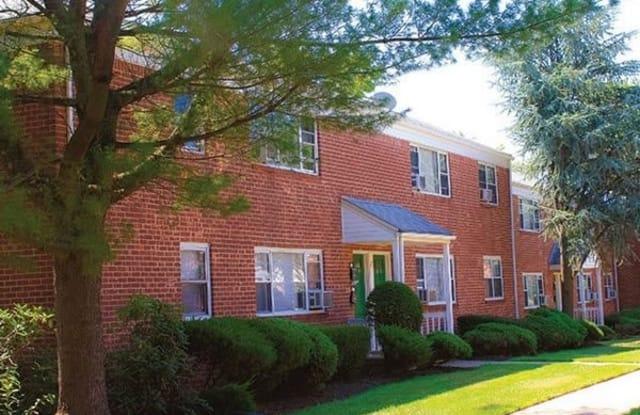 Woodbridge Apartments - 10 Lee St, Middlesex County, NJ 08817