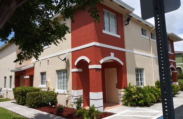 18616 SW 100 Ave - 18616 Southwest 100th Avenue, Cutler Bay, FL 33157
