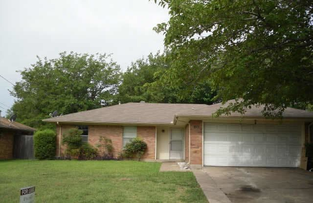 123 EVELYN Street - 123 Evelyn Street, DeSoto, TX 75115