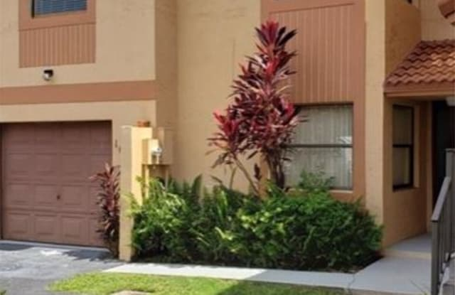 1013 SW 112th Ter - 1013 Southwest 112th Terrace, Pembroke Pines, FL 33025