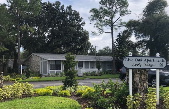 Live Oak Apartments - 2232 N Spring Glade Cir, Tampa, FL 33613