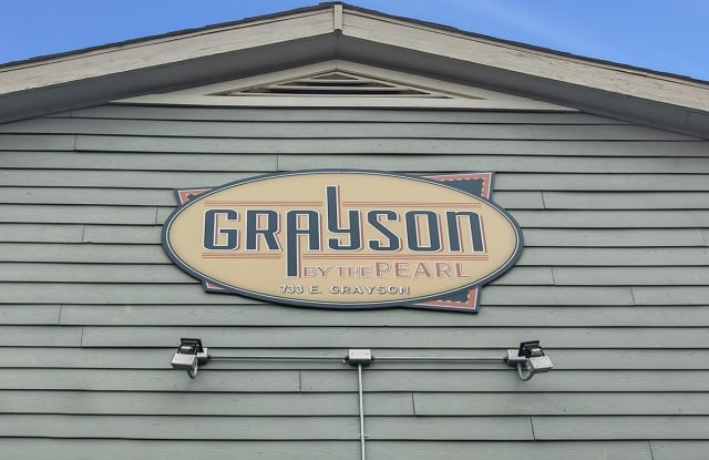 Grayson By The Pearl - 733 E Grayson St, San Antonio, TX 78208