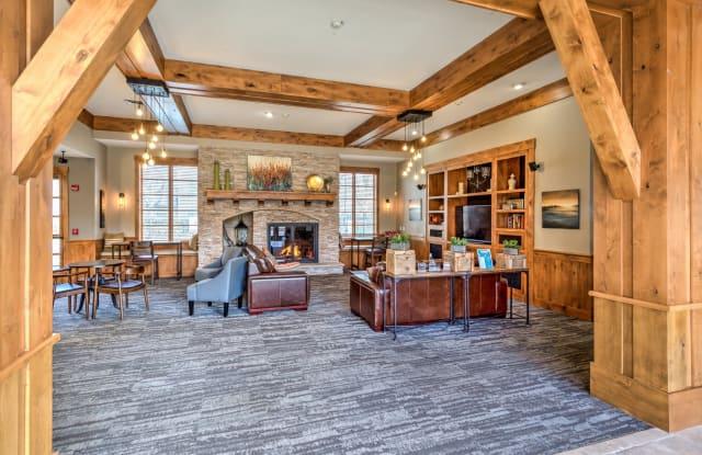 Lodge at Maple Grove - 985 N Maple Grove Rd, Boise, ID 83704