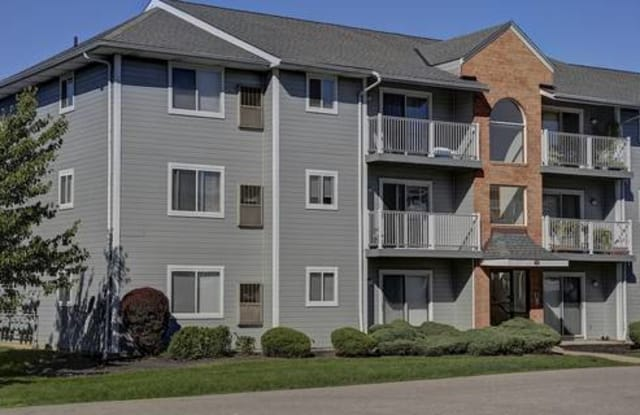Clearbrooke Apartments - 1426 Clearbrooke Dr, Brunswick, OH 44212