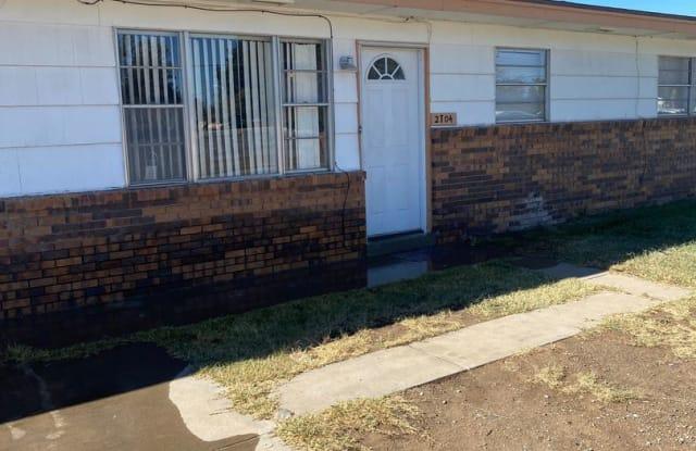 2704 S Washington Ave (101) - 2704 South Washington Avenue, Roswell, NM 88203
