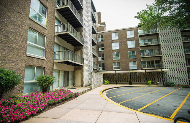 Silver Spring House - 555 Thayer Ave, Silver Spring, MD 20910