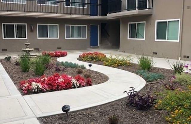 879 Center St - 879 Center Street, Costa Mesa, CA 92627