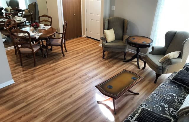 Flex-Lease/Furnished Condo w/ Den and Basement - 35536 Tanglewood Drive, Sterling Heights, MI 48312
