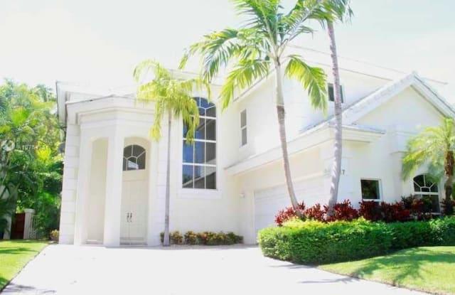 17 GRAND BAY ESTATES CR - 17 Grand Bay Estates Circle, Key Biscayne, FL 33149