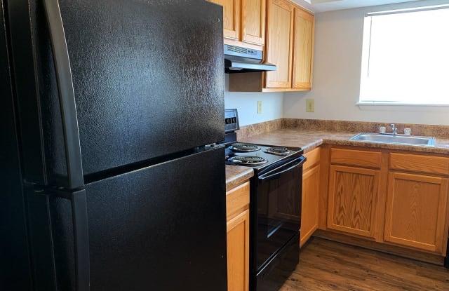Cedar Creek Apartments - 5624 High St W B, Portsmouth, VA 23703