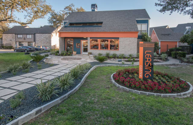 The Lila At Oakgate - 3500 Oakgate Dr, San Antonio, TX 78230