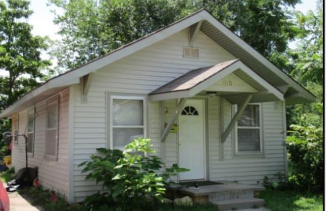 815 E 8th - 815 East 8th Avenue, Hutchinson, KS 67501