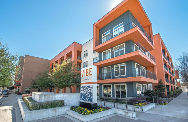 Vibe Medical District - 2140 Medical District Dr, Dallas, TX 75235