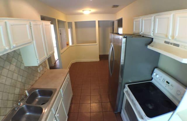2710 Whitis Ave Apt B - 2710 Whitis Avenue, Austin, TX 78705