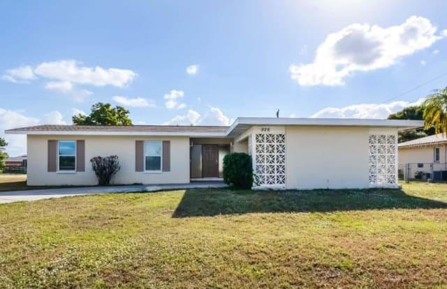 926 SE 25TH TERRACE - 926 Southeast 25th Terrace, Cape Coral, FL 33904