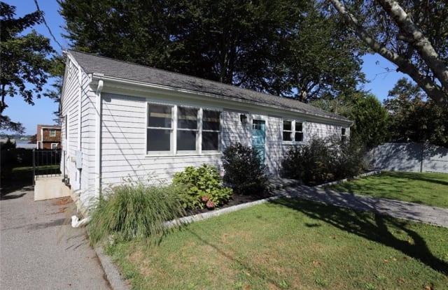 5 O'Donnell Road - 5 O Donnell Road, Newport East, RI 02842