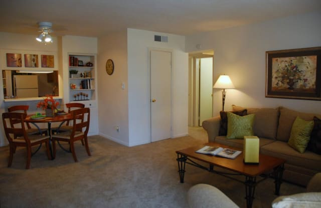 Sycamores Apartments - 1614 E Stop 11 Rd, Indianapolis, IN 46227