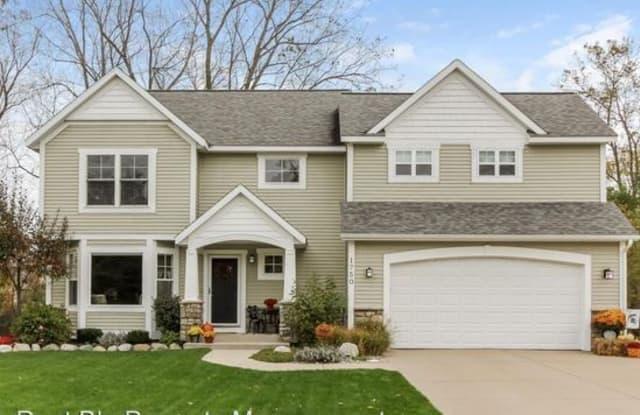 1750 Oakleigh Rd - 1750 Oakleigh Avenue Northwest, Grand Rapids, MI 49504