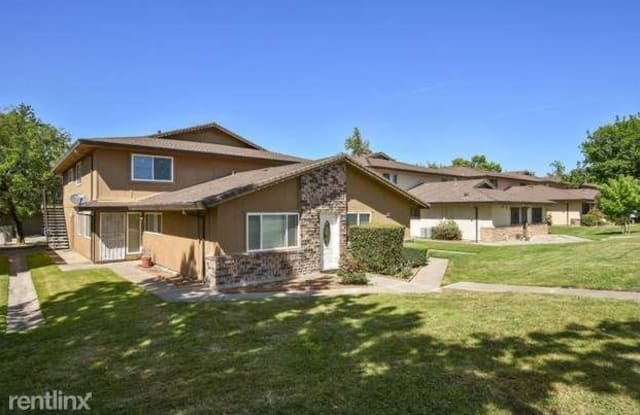 4605 palm avenue 4 - 4605 Palm Avenue, Foothill Farms, CA 95842