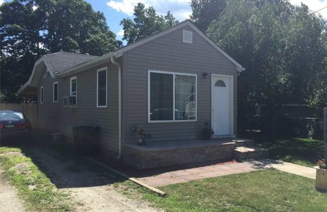 6 Oakwood Ave - 6 Oakwood Avenue, Lake Ronkonkoma, NY 11779