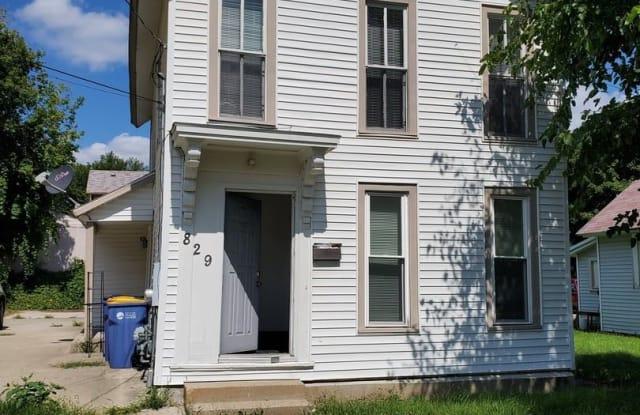 829 Sherman St. SE - 829 Sherman Street Southeast, Grand Rapids, MI 49506