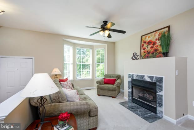 43188 NEWBRIDGE SQUARE - 43188 Newbridge Square, Broadlands, VA 20148