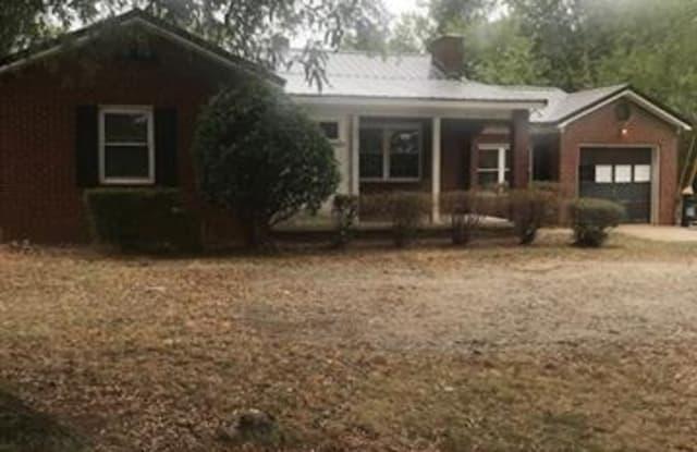 1815 Davie Avenue - 1815 Davie Avenue, Statesville, NC 28677