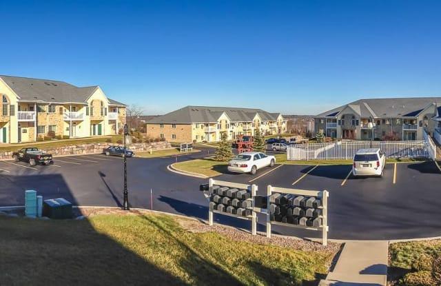 Kendal Hills Apartments - 1008 River Place Boulevard, Waukesha, WI 53189