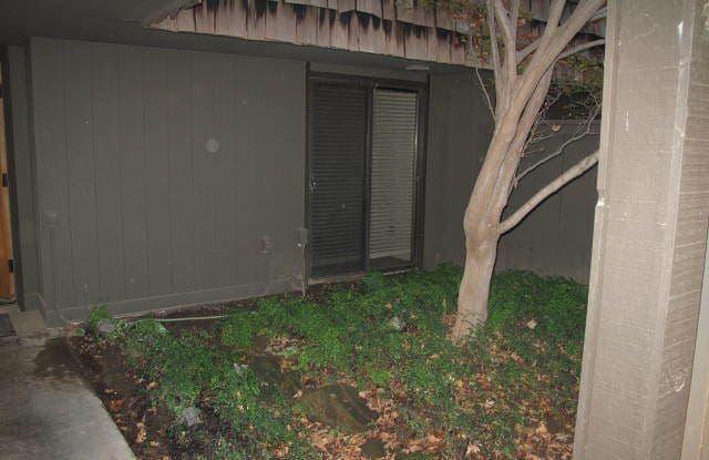5045 N Van Ness Blvd - 5045 N Van Ness Blvd, Fresno, CA 93711