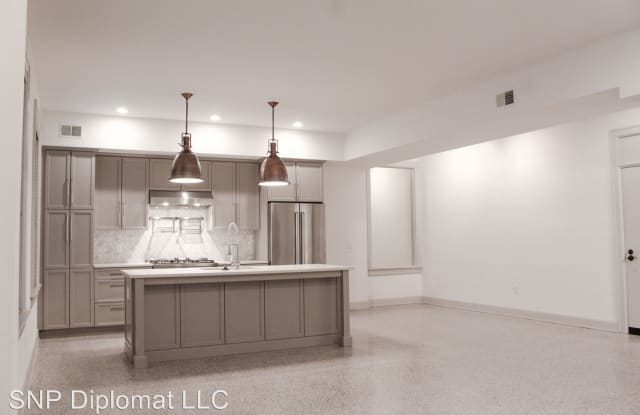 The Diplomat - 9 Buttles Avenue, Columbus, OH 43215