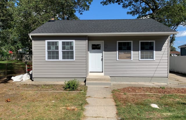 455 Blue Point Rd - 455 Blue Point Road, Farmingville, NY 11738