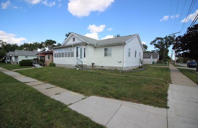 21706 Nevada Ave - 21706 Nevada Avenue, Eastpointe, MI 48021