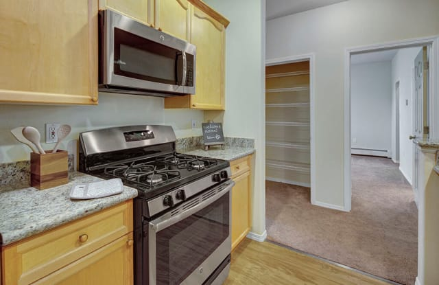 Highlands Luxury Apartments - 2134 E 56th Ave, Anchorage, AK 99507
