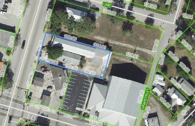 320 N Ridgewood Drive - 320 North Ridgewood Drive, Sebring, FL 33870