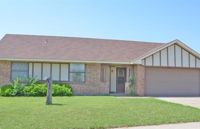 5415 PEBBLESTONE DRIVE - 5415 Pebblestone Dr, Wichita Falls, TX 76306