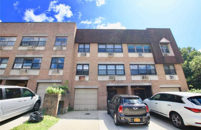 240-04 70th Ave - 240-04 70th Ave, Queens, NY 11362