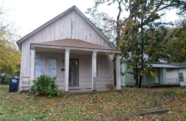 317 N Chapman Avenue - 317 N Chapman Ave, Shawnee, OK 74801