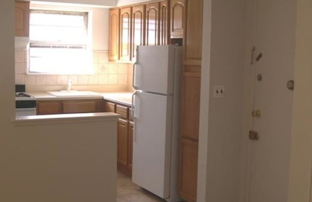 314 Oakwood Ave Apartments - 314 Oakwood Avenue, Essex County, NJ 07050