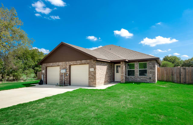 616 N 6th St - 616 N 6th St, Gunter, TX 75058